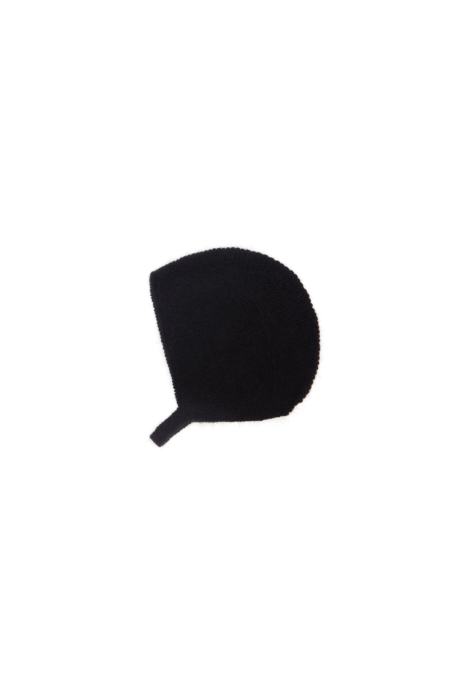 capota negra lana