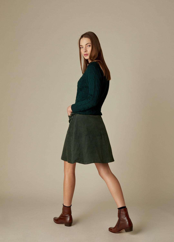 Falda corta de pana verde con botones Bonnie-3