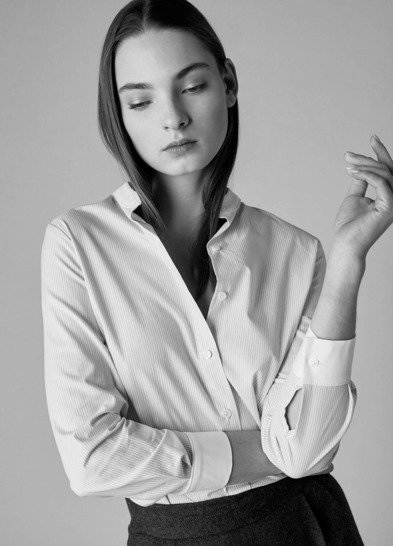 Camisa de algodón azul cielo Elina con puños y cuello en contraste-5