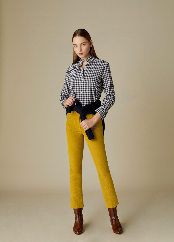 Pantalón de pinzas de pana mostaza con bolsillos Celestine-2